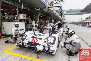 Timo Bernhard (DEU) / Mark Webber (AUS) / Brendon Hartley (NZL) / Car #20 LMP1 Porsche Team (DEU) Porsche 919 Hybrid Qualifying - LMP1 & LMP2 - 6 Hours of Shanghai at Shanghai International Circuit - Shanghai - China
