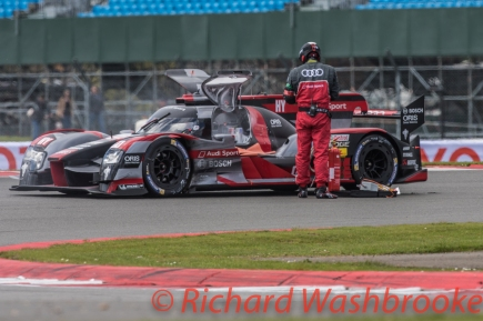 Lucas Di Grassi (BRA) / Loic Duval (FRA) / Oliver Jarvis (GBR) driving the LMP1 Audi Sport Team Joest Audi R18 Hybrid FIA WEC 6H Silverstone - Sunday 17th April 2016